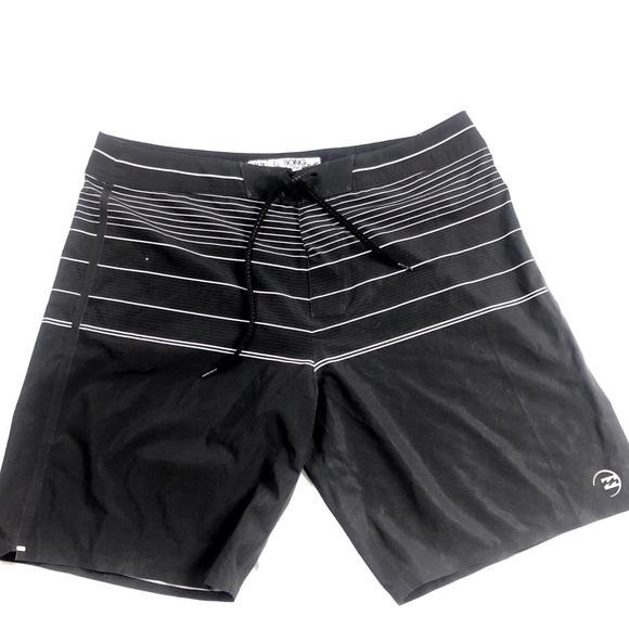 Men's Billabong board shorts size 38